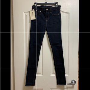 NWT Rag & Bone Skinny Jeans. Size 28